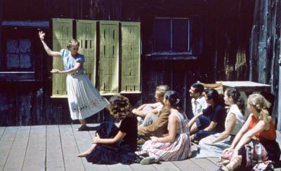 Ann Hutchinson teaching Labanotation