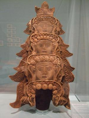 Headdress, Angkor-Vat