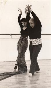 9107e3cb6 Klarna Pinska rehearsing the Joyce Trisler Danscompany. Photo by Alison  Myra Ozer.